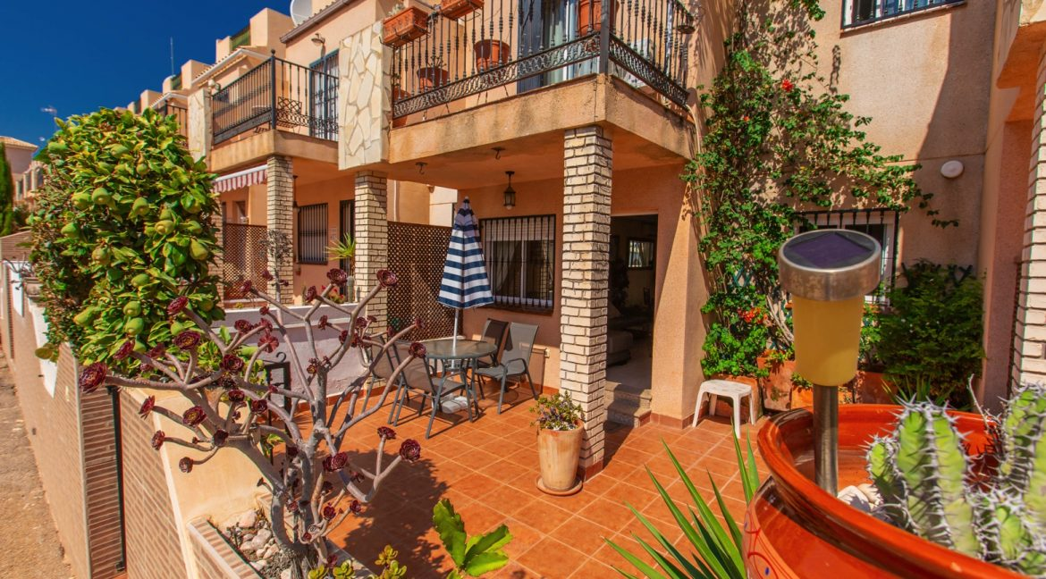 Townhouse With 3 Bedrooms Near the Punta Prima Beach (2)