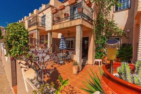 Townhouse With 3 Bedrooms Near the Punta Prima Beach