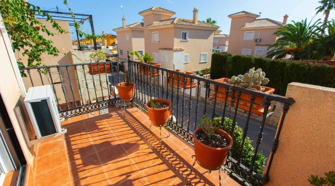 Townhouse With 3 Bedrooms Near the Punta Prima Beach (20)