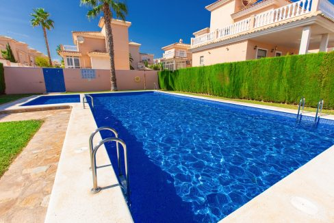 Townhouse With 3 Bedrooms Near the Punta Prima Beach (4)
