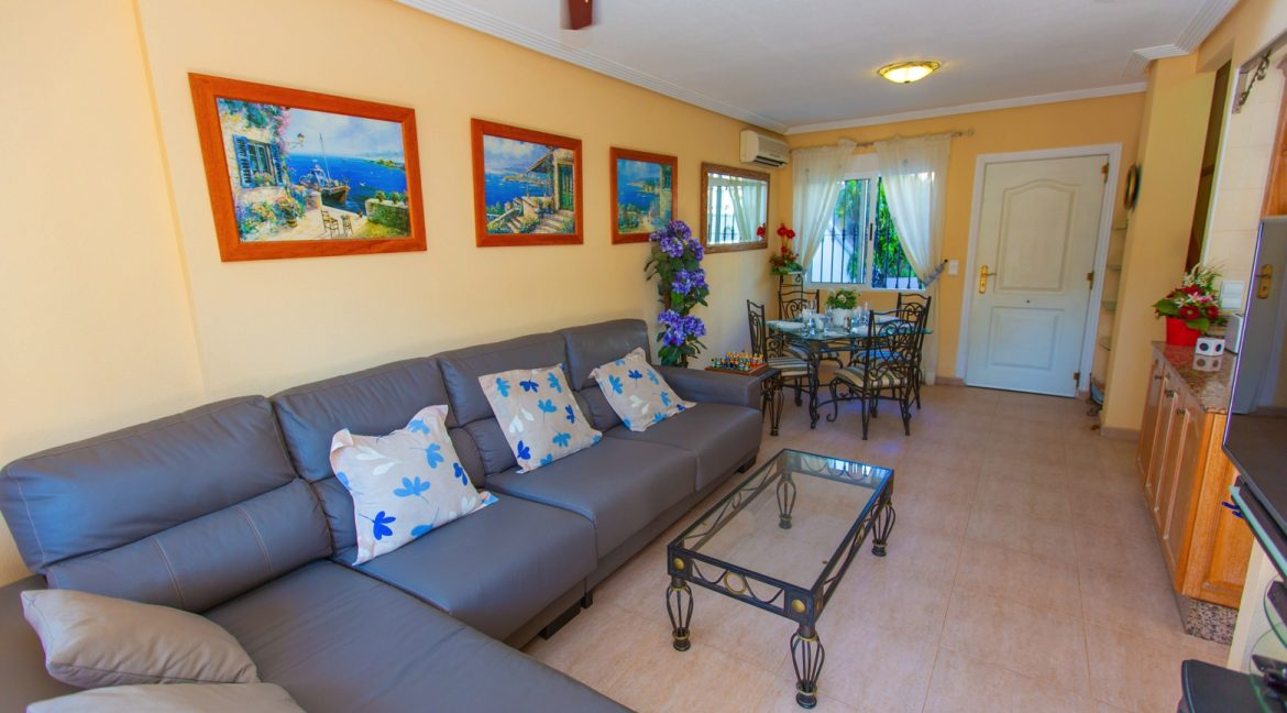 Townhouse With 3 Bedrooms Near the Punta Prima Beach (8)