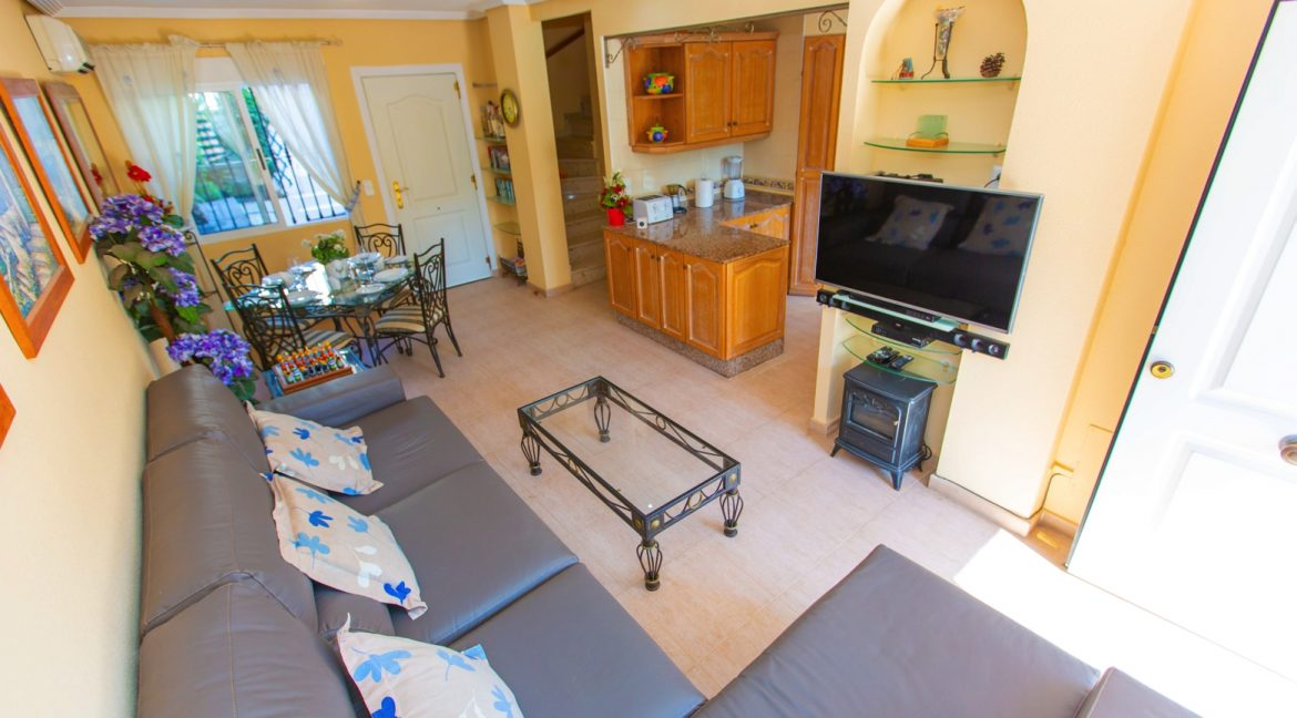 Townhouse With 3 Bedrooms Near the Punta Prima Beach (9)