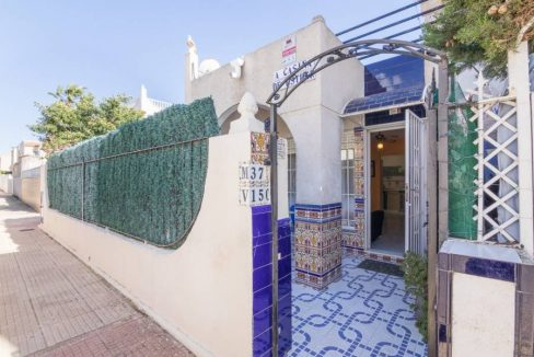 2 Bedooms Bungalow with Swimming Pool For Sale in Torrevieja (24)