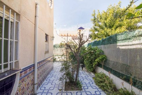 2 Bedooms Bungalow with Swimming Pool For Sale in Torrevieja (26)