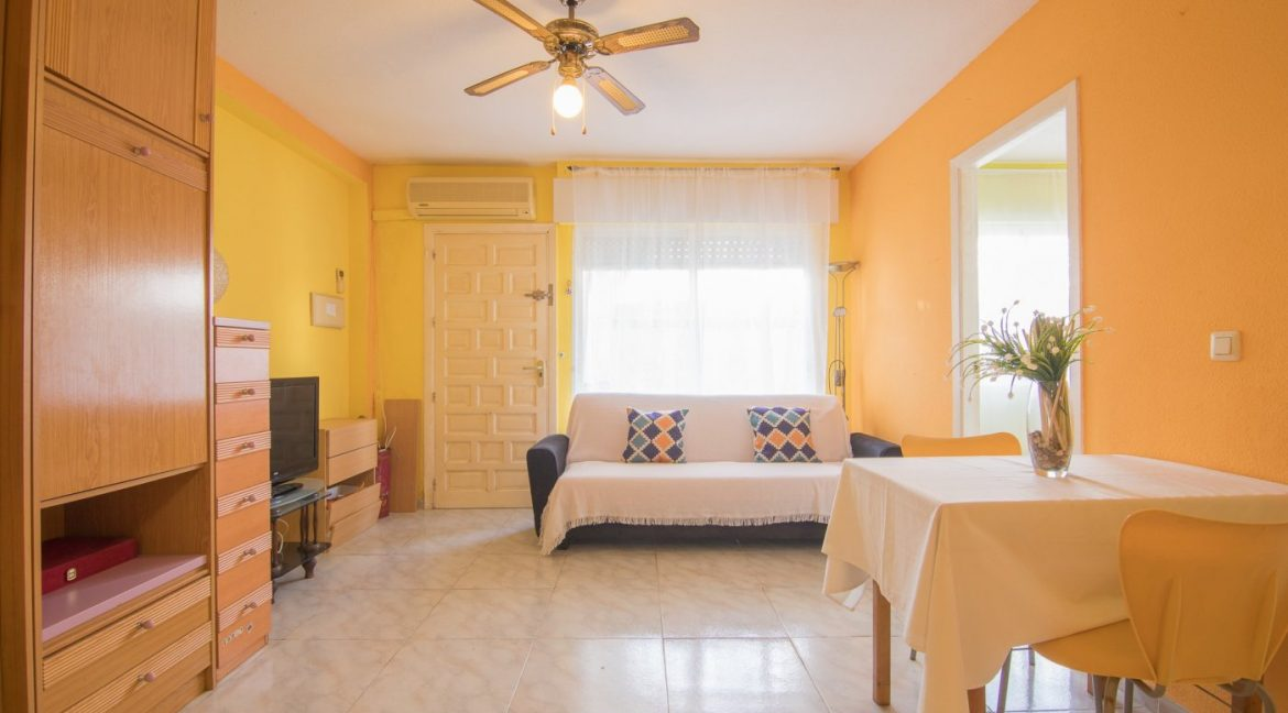2 Bedooms Bungalow with Swimming Pool For Sale in Torrevieja (30)