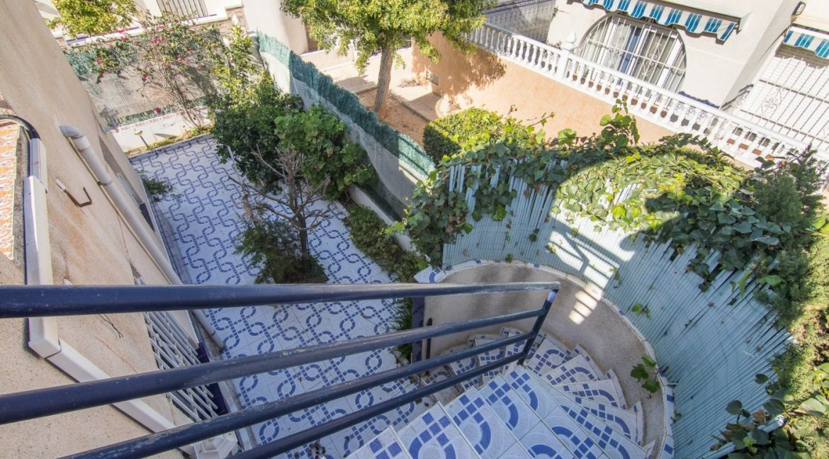 2 Bedooms Bungalow with Swimming Pool For Sale in Torrevieja (34)
