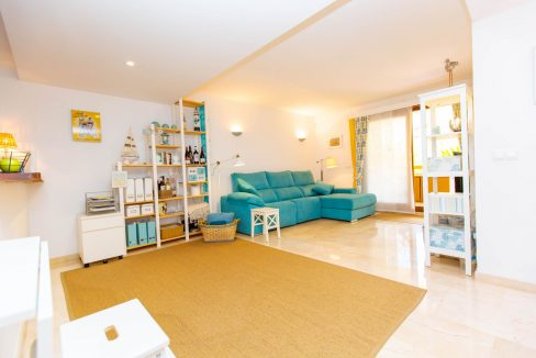 2 Bedrooms Apartment For Sale in Punta Prima by the sea