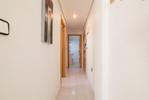 2 Bedrooms Apartment For Sale in Torrevieja with Terrace and Swimming Pool (12)