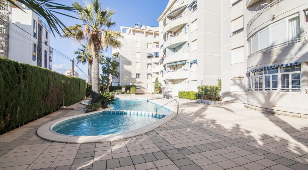 2 Bedrooms Apartment For Sale in Torrevieja with Terrace and Swimming Pool (20)