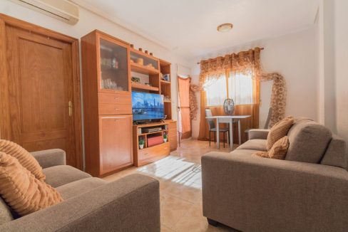 2 Bedrooms Apartment wih Swimming Pool For Sale in Torrevieja (12)