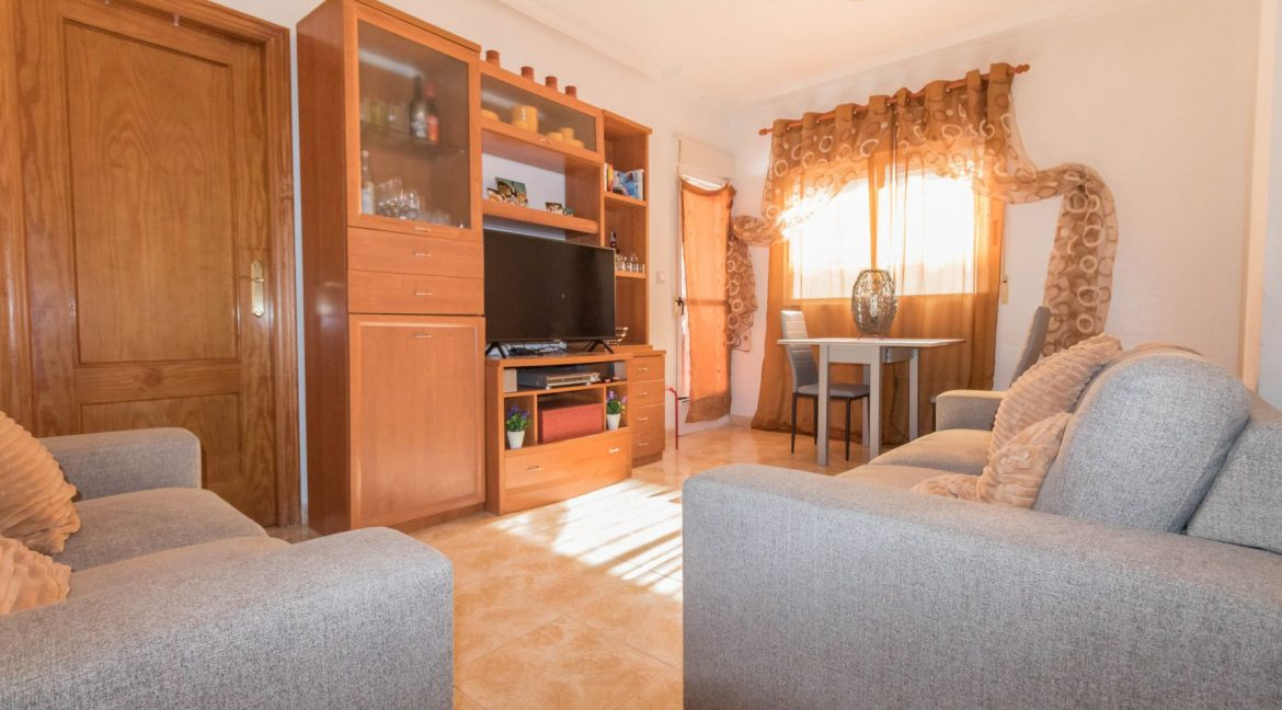 2 Bedrooms Apartment wih Swimming Pool For Sale in Torrevieja (13)