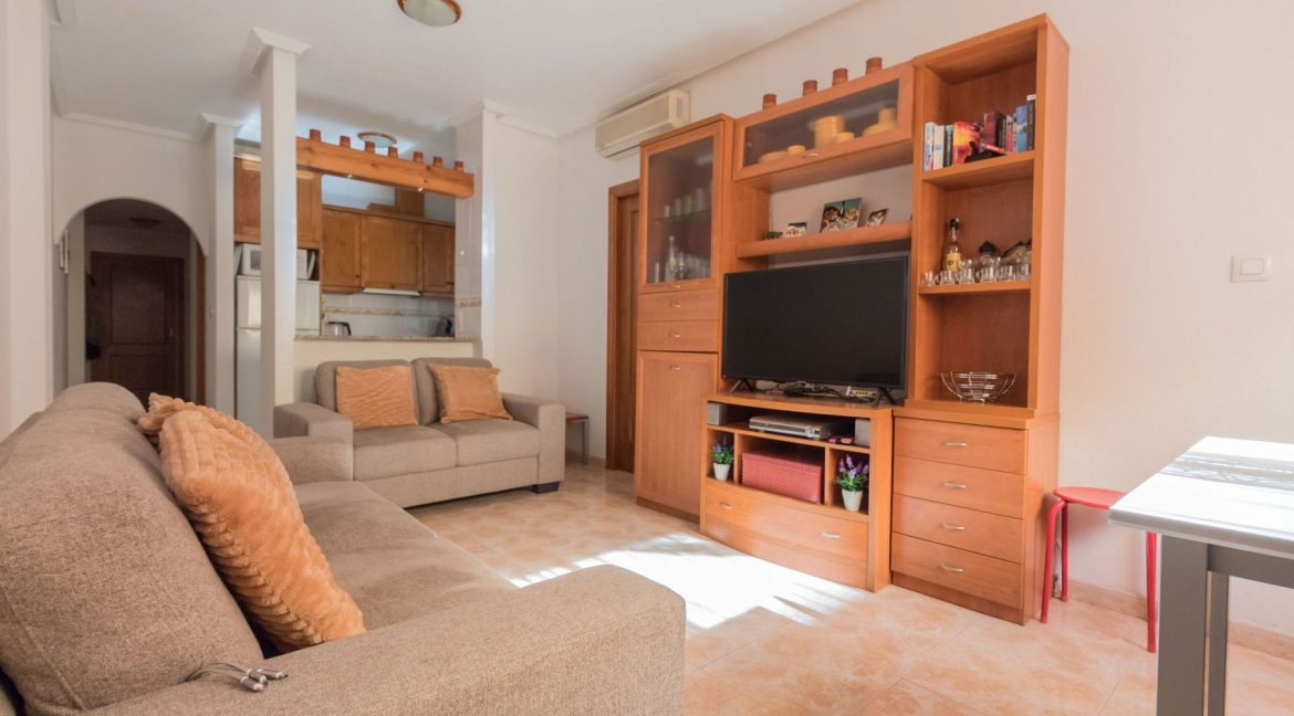 2 Bedrooms Apartment wih Swimming Pool For Sale in Torrevieja (14)