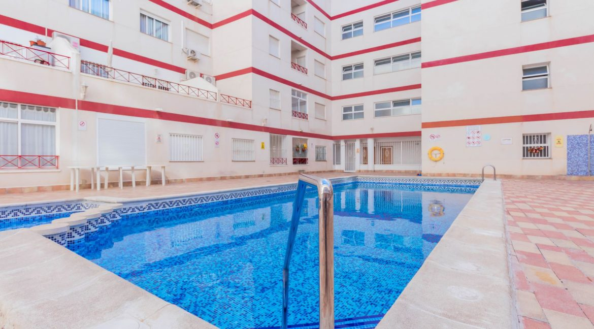 2 Bedrooms Apartment wih Swimming Pool For Sale in Torrevieja (21)