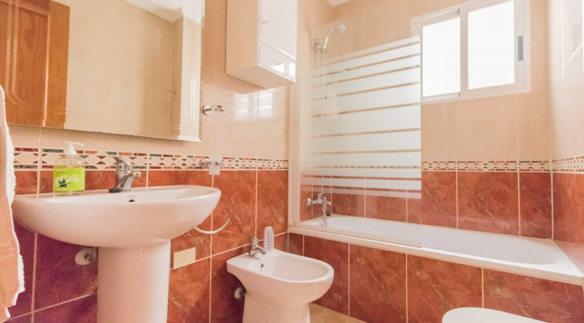 2 Bedrooms Apartment wih Swimming Pool For Sale in Torrevieja (5)