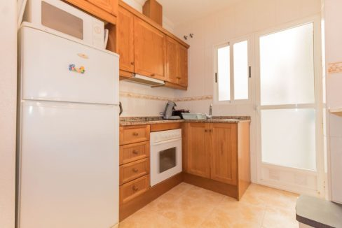 2 Bedrooms Apartment wih Swimming Pool For Sale in Torrevieja (6)