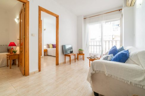 2 Bedrooms Apartment with Swimming Pool For Sale in Torrevieja Center (10)