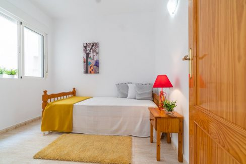 2 Bedrooms Apartment with Swimming Pool For Sale in Torrevieja Center (3)