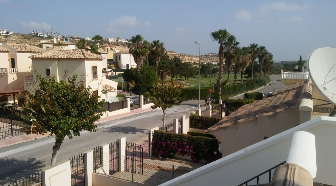 2 Bedrooms Villa For Sale Close to Golf Course (10)
