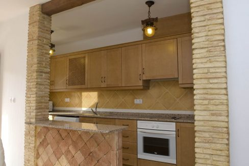 2 Bedrooms Villa For Sale Close to Golf Course (7)