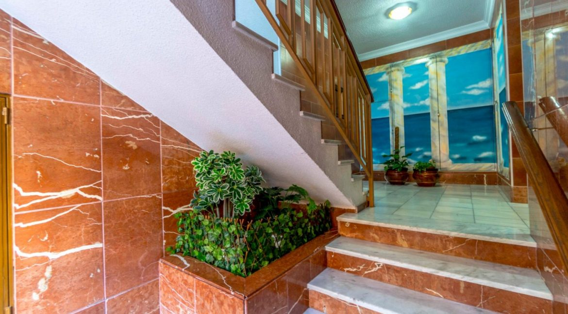 3 Bedrooms Apartment For Sale in Torrevieja Center (1)