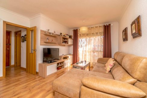 3 Bedrooms Apartment For Sale in Torrevieja Center (11)