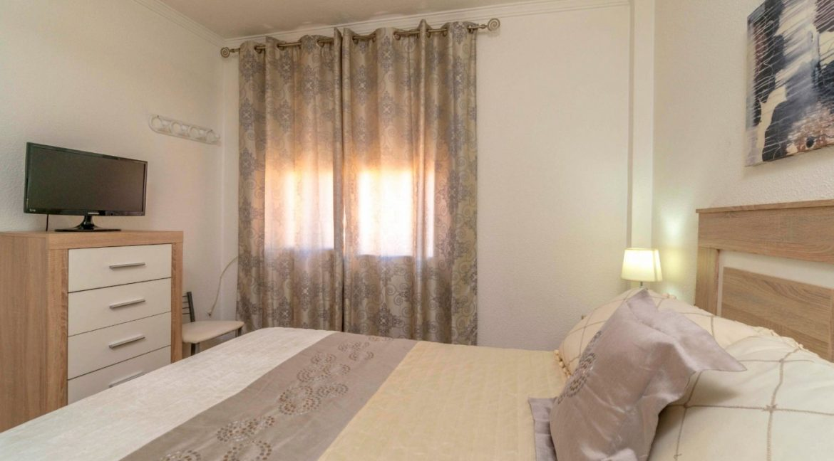 3 Bedrooms Apartment For Sale in Torrevieja Center (13)