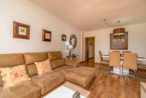 3 Bedrooms Apartment For Sale in Torrevieja Center (2)