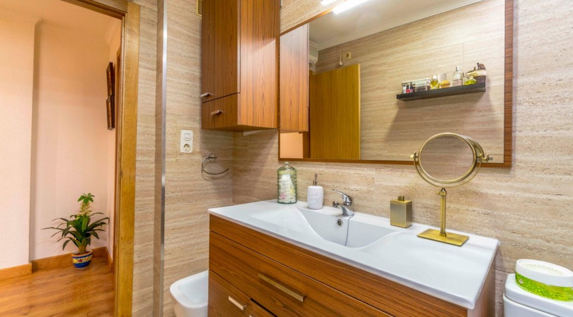 3 Bedrooms Apartment For Sale in Torrevieja Center (23)