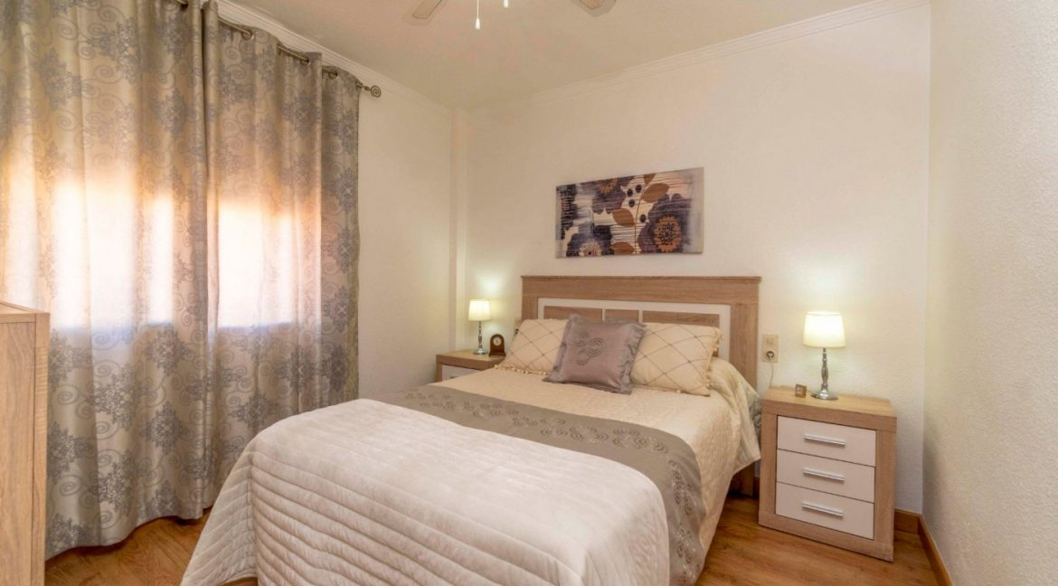 3 Bedrooms Apartment For Sale in Torrevieja Center (5)