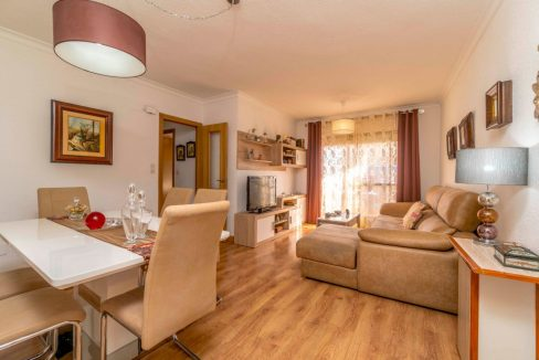 3 Bedrooms Apartment For Sale in Torrevieja Center (6)