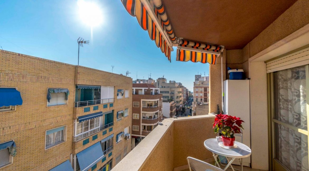 3 Bedrooms Apartment For Sale in Torrevieja Center (8)
