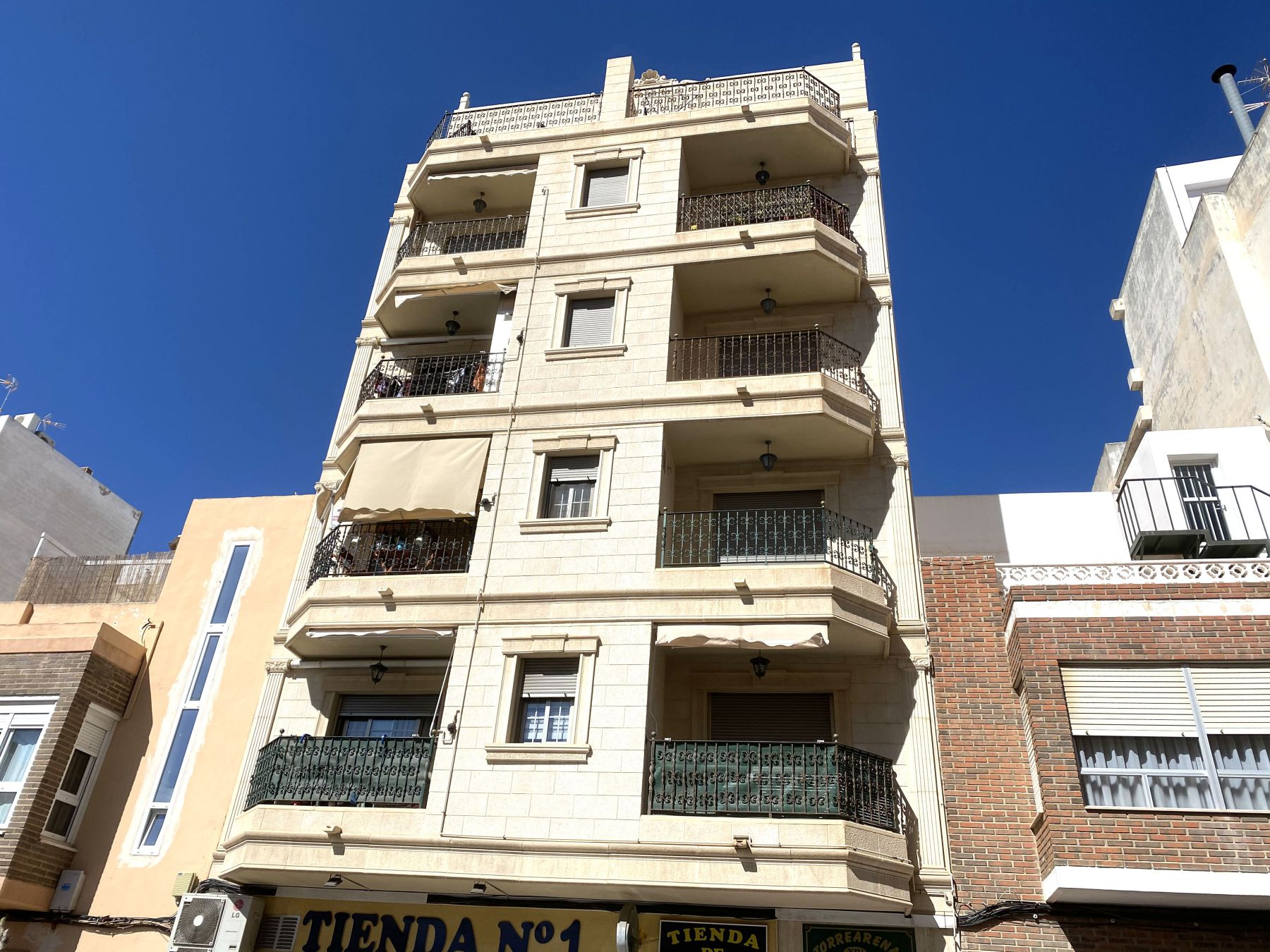 Brand New 3 Bedrooms Apartment with Terrace For Sale in Torrevieja Center