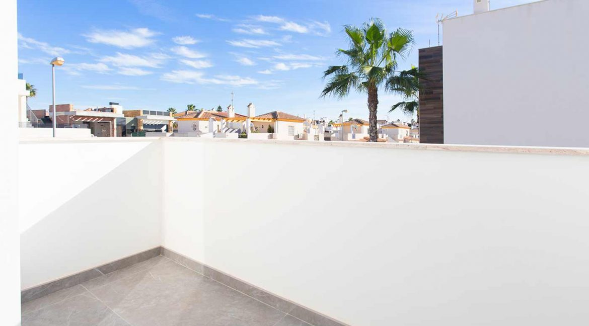 3 Bedrooms Detached Luxury Villa For Sale With Basement In Torrevieja (16)