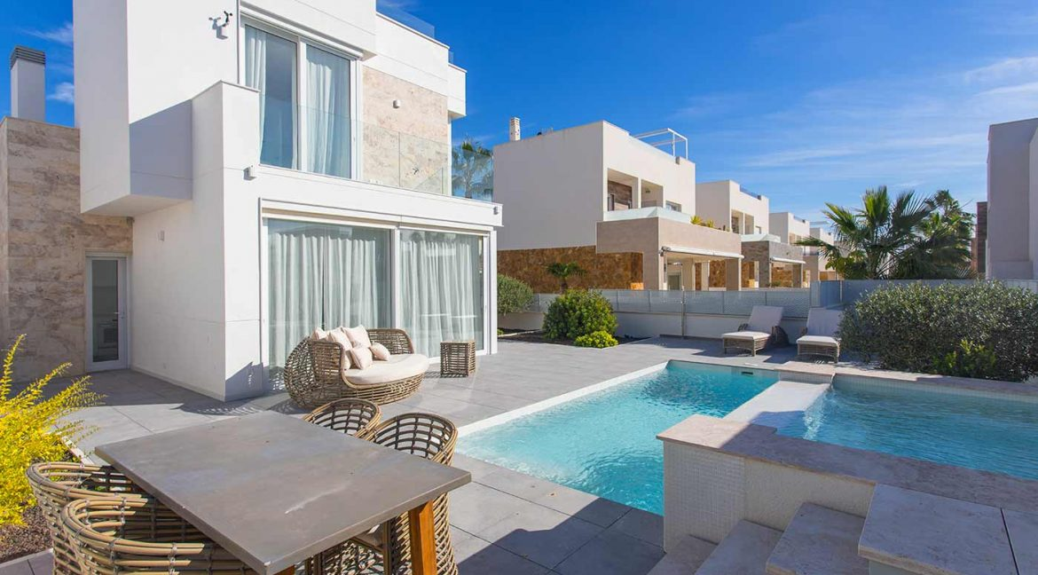 3 Bedrooms Detached Luxury Villa For Sale With Basement In Torrevieja (31)