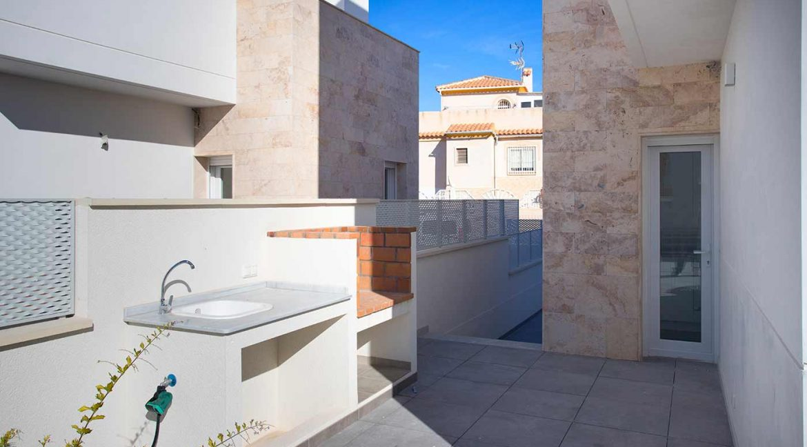 3 Bedrooms Detached Luxury Villa For Sale With Basement In Torrevieja (34)