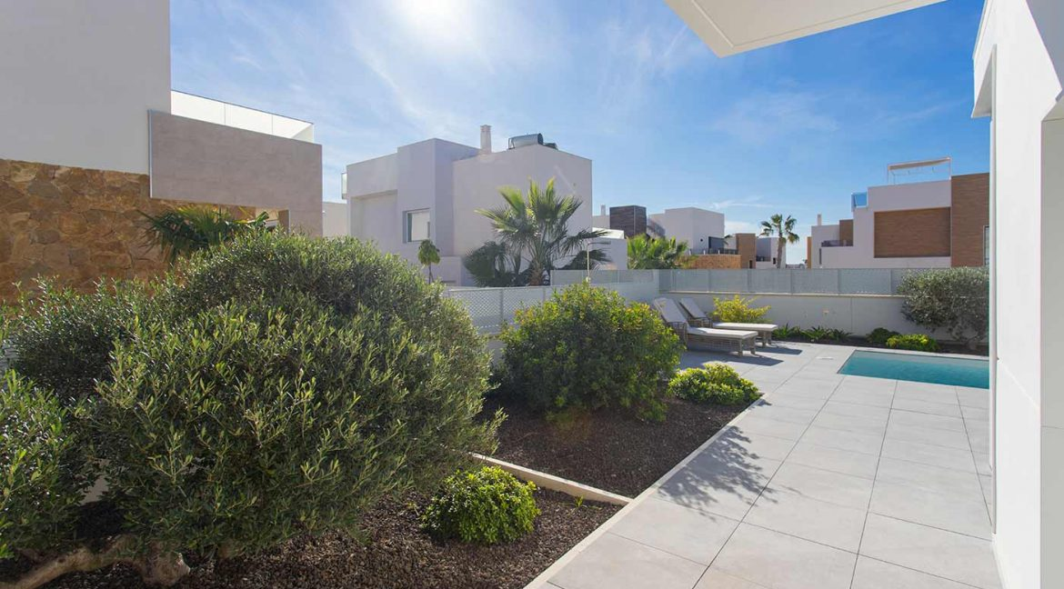 3 Bedrooms Detached Luxury Villa For Sale With Basement In Torrevieja (35)