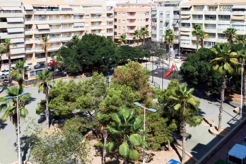3 Bedrooms Penthouse For Sale Near El Cura Beach in Torrevieja (20)