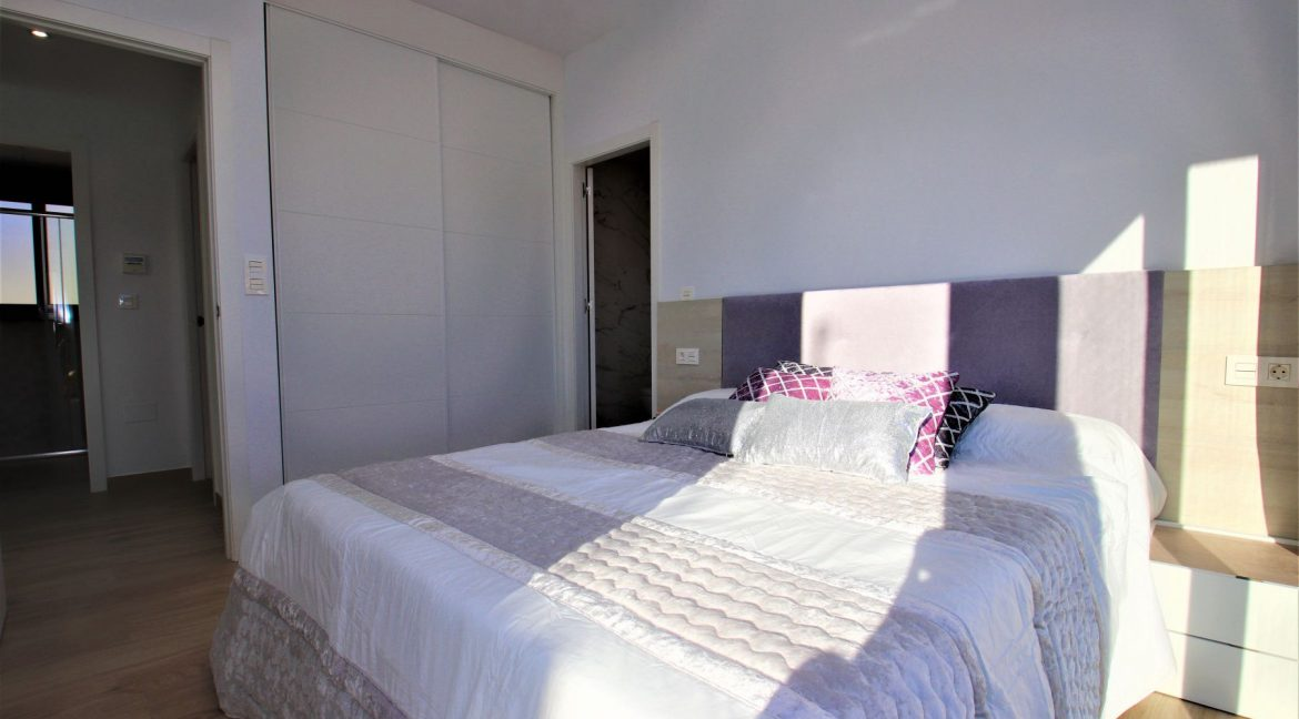 3 Bedrooms Villas For Sale in Torrevieja near Habaneras Shopping Centre (17)
