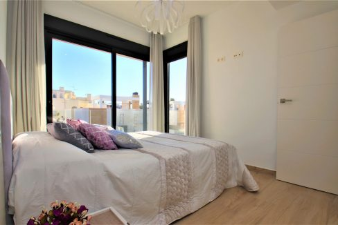 3 Bedrooms Villas For Sale in Torrevieja near Habaneras Shopping Centre (18)