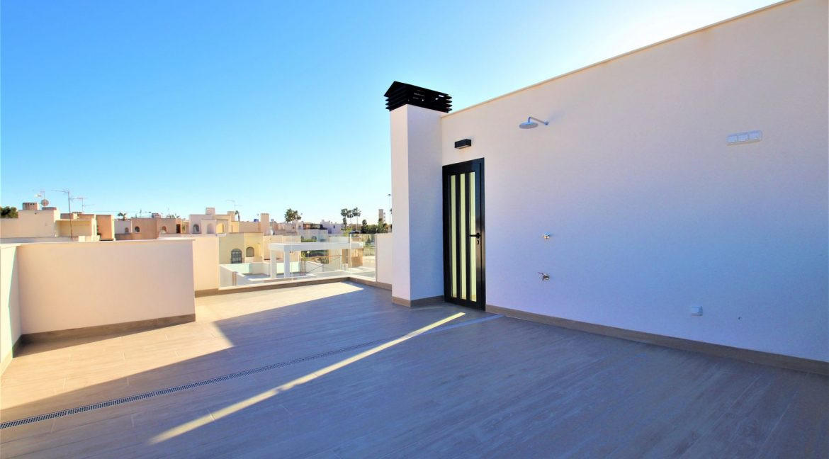 3 Bedrooms Villas For Sale in Torrevieja near Habaneras Shopping Centre (35)