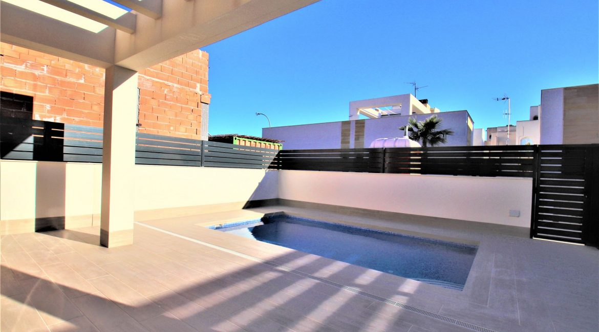 3 Bedrooms Villas For Sale in Torrevieja near Habaneras Shopping Centre (36)