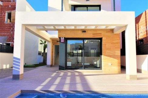3 Bedrooms Villas For Sale in Torrevieja near Habaneras Shopping Centre (38)
