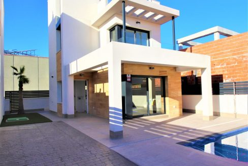 3 Bedrooms Villas For Sale in Torrevieja near Habaneras Shopping Centre (39)