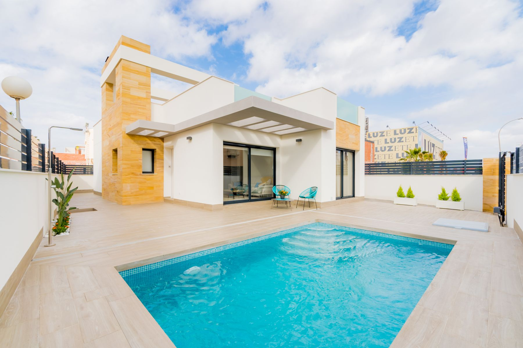 3 Bedrooms Villas With Swimming Pool For Sale in Torrevieja with Plot
