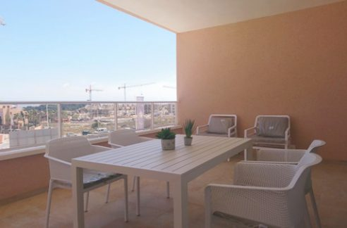 3 bedrooms and 2 bathrooms Apartments For Sale Close to the Villamartin Golf Course