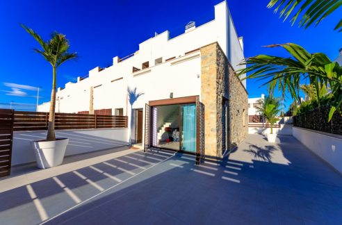 3 Bedrooms Townhouse For Sale In Torrevieja