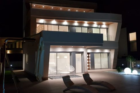 Luxury 4 Bedrooms Villa in Campoamor (24)
