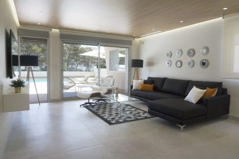 Luxury 4 Bedrooms Villa in Campoamor (3)