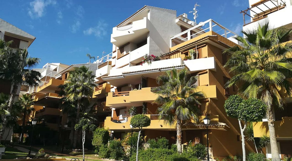 new build 2 and 3 bedrooms apartments for sale in Punta Prima La Recoleta (30)