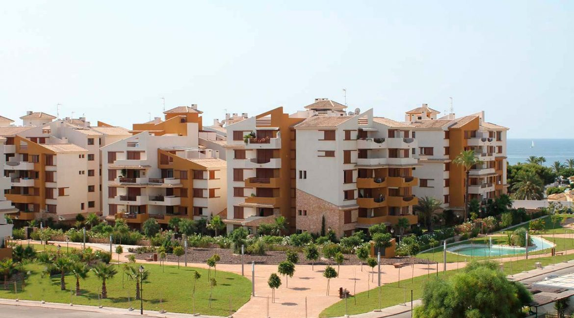 new build 2 and 3 bedrooms apartments for sale in Punta Prima La Recoleta (39)